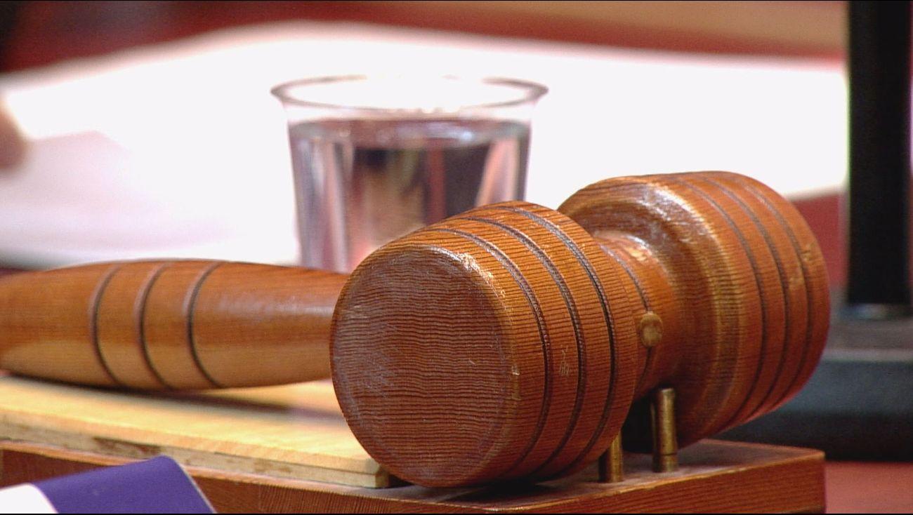 Een 20-jarige man uit Dronten is veroordeeld tot 35 dagen cel en 80 uur werkstraf voor bedreiging met een alarmpistool.