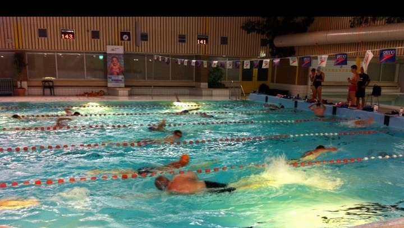 Omroep flevoland nieuws doelgroepenbad zwembad stad tijdelijk dicht