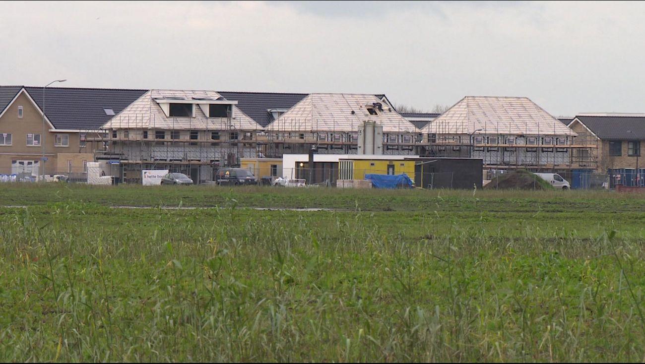 Nieuws - Rekenkamer adviseert tegen bouw 10.000 woningen - Omroep Flevoland